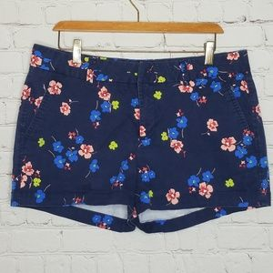 Khakis By Gap City 3 inch Shorts Floral Size 12